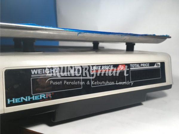 Timbangan Duduk Timbangan Laundry Surabaya Timbangan Digital ACS 718 600x449 - Timbangan Duduk Digital Henher ACS718